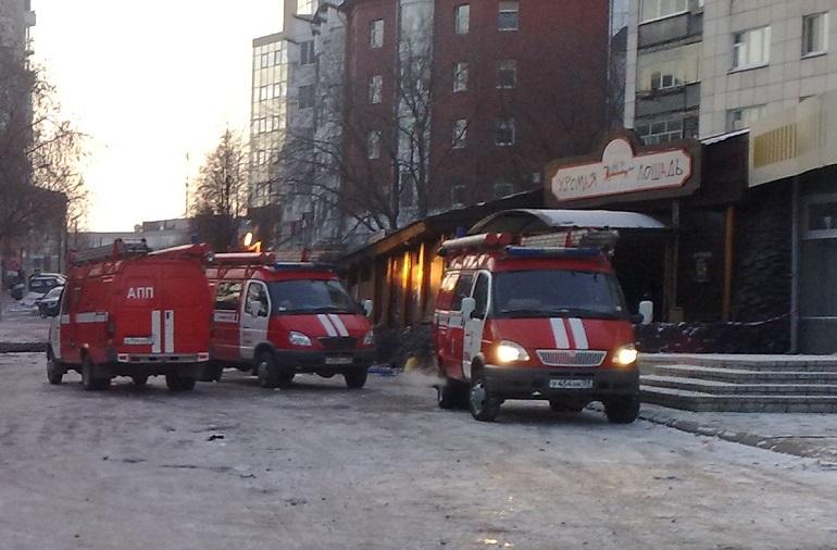 Огнеопасные бары на Рубинштейна могут устроить Петербургу «Хромую лошадь»
