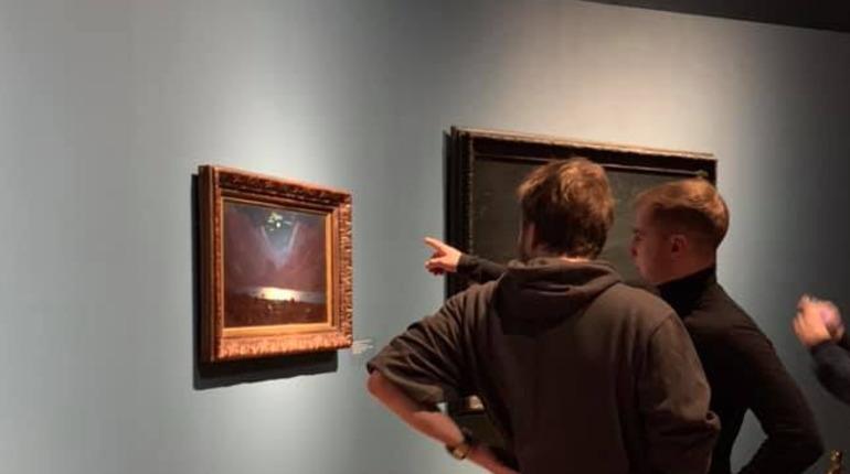 Испортивший картину Репина вандал отправился в колонию