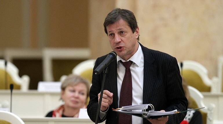Ковалев призвал вернуть рынок жителям Васильевского острова