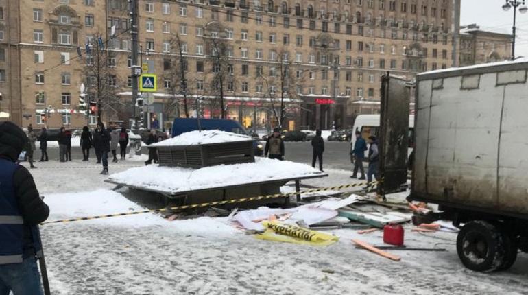 В Петербурге сносят газетные киоски. Фото: Метропресс/Андрей Сибиряков