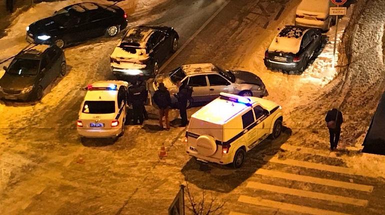 Пьяный водитель устроил драку после ДТП с автоледи