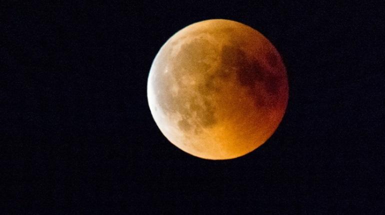 В мире 5 июля пройдёт Лунное затмение, что нельзя делать рассказала астролог