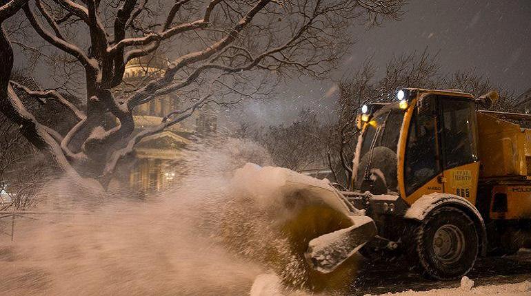 Как очистить Петербург от снега и дать работу людям