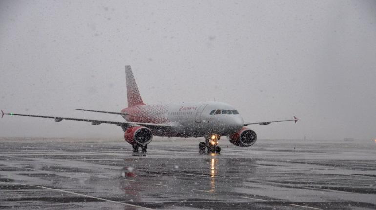 «Россия» на 14 часов задержала вылет самолета из Новосибирска в Петербург