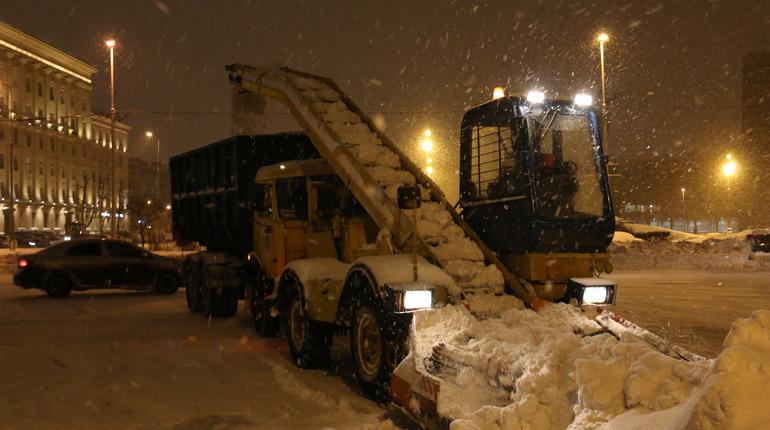 Уборка Петербурга от снега. Фото: gov.spb.ru