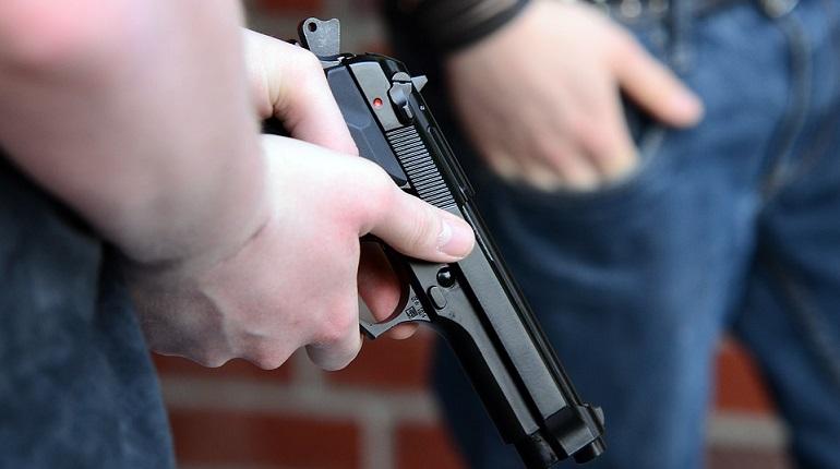 Стреляющий на Обводном кортеж доехал до уголовного дела