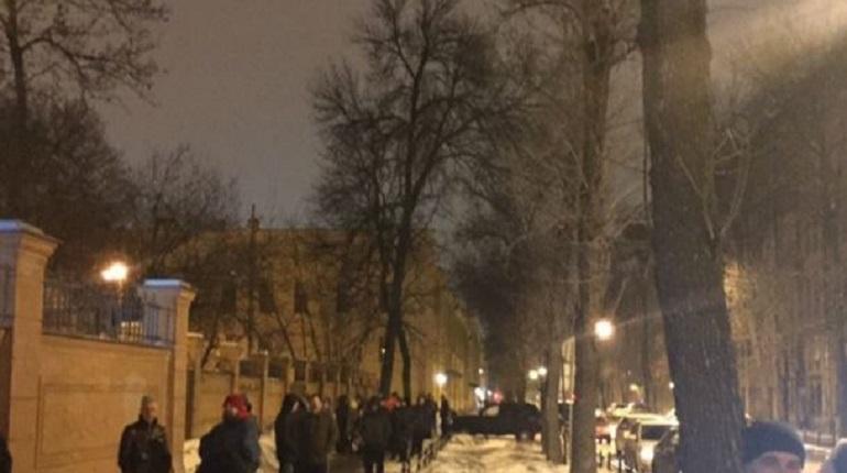 Эвакуация на Васильевском острове. Фото: ДТП и ЧП Санкт-Петербург