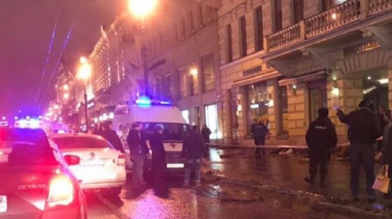 Лихачу «под шариками», сбившему пешеходов на Невском, снизили срок