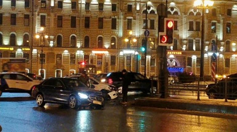 Ночная авария в Петербурге. Фото: ДТП и ЧП Санкт-Петербург