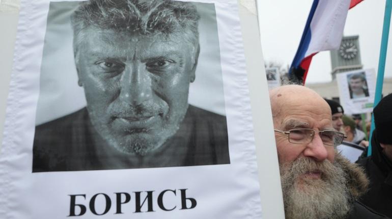 Смольный второй раз не согласовал марш памяти Немцова в Петербурге