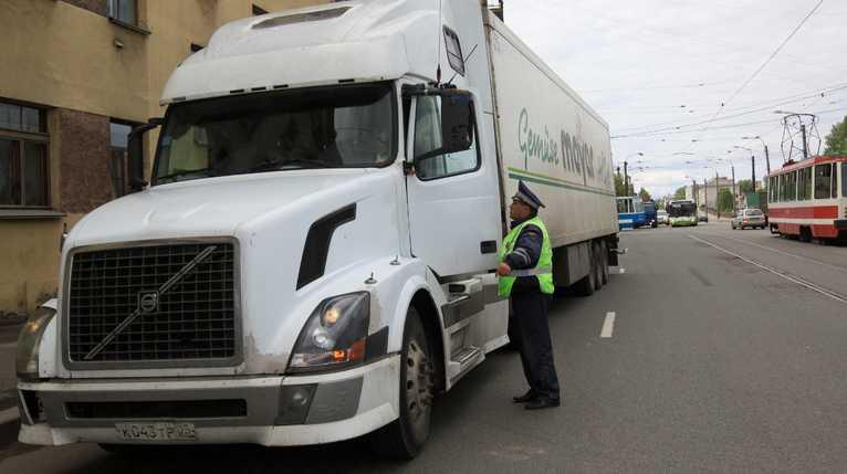 Минтранс предложил разделить водителей на любителей и «профи»