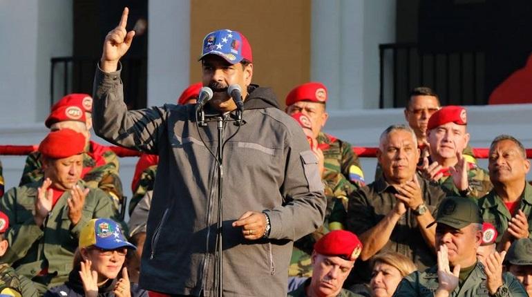 Мадуро начал крупнейшие в истории Венесуэлы военные учения