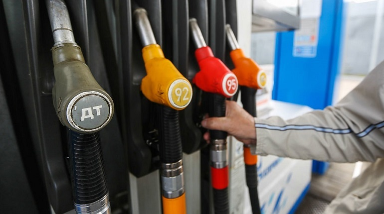 Спрос на топливо на АЗС восстанавливается до докризисного уровня
