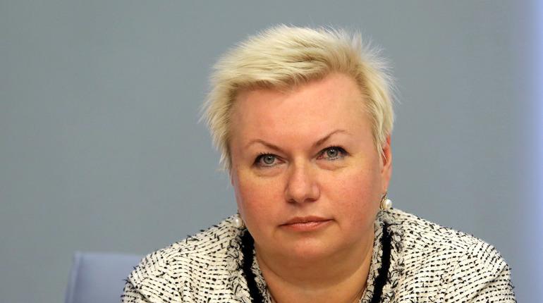 В Петербурге закрыли на карантин 53 класса в школах