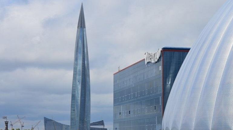 В Петербурге на стройке «Лахта Центра» не видно рабочих