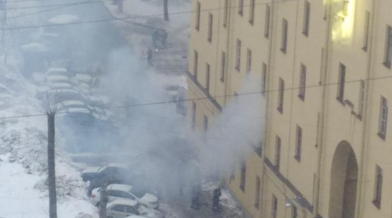 Пожар на Кондратьевском. Фото: vk.com/spb_today