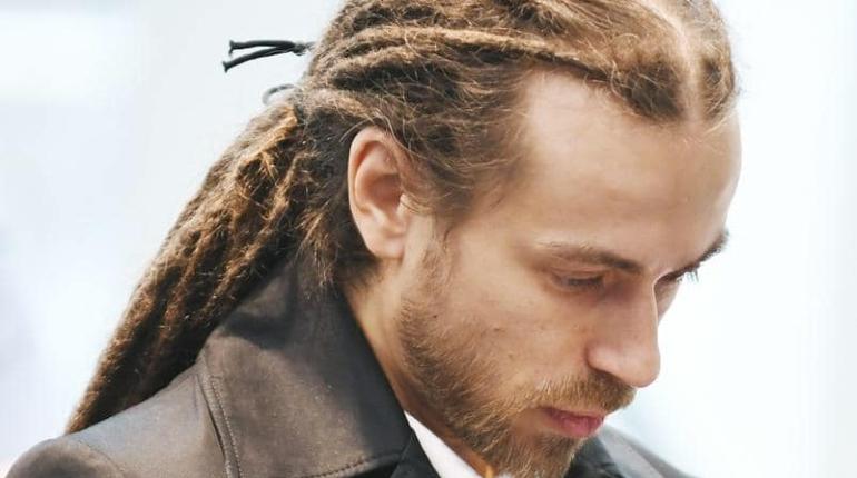 После смерти Децла его песни снова поднялись на вершины рейтингов