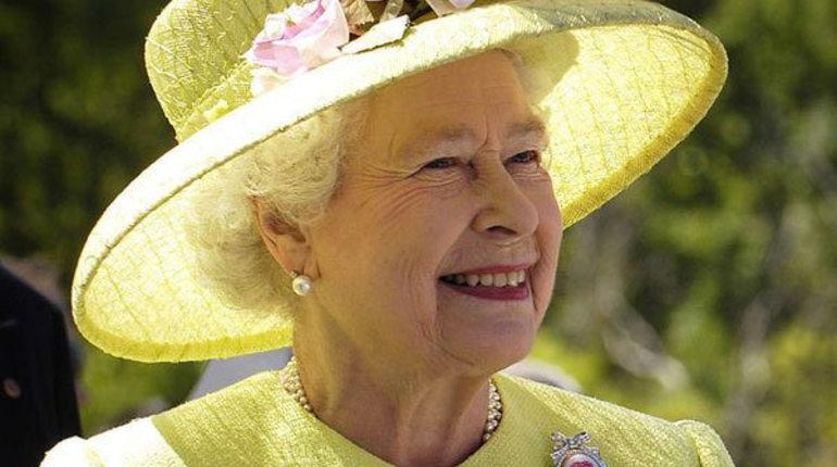 Елизавета II поздравил россиян с национальным праздником