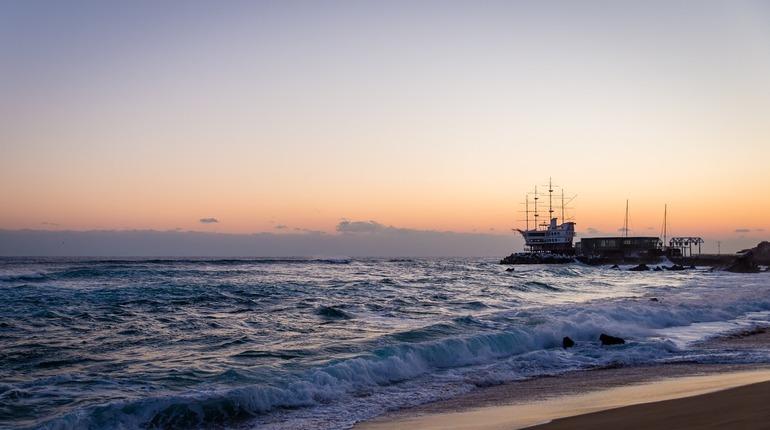 Посольство выясняет, почему 11 российских моряков задержали в Кабо-Верде