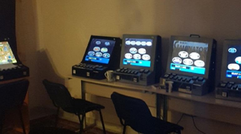 Подпольные казино петербург покер 1 на 1 онлайн бесплатно