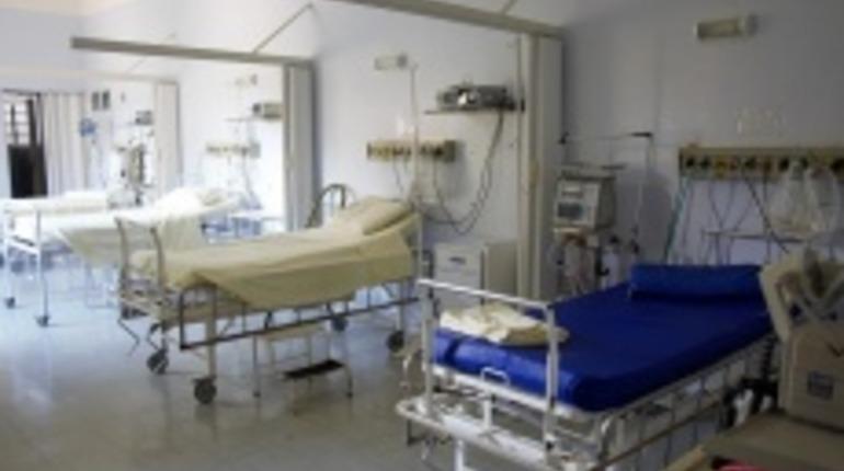 Прокуратура требует остановить продажу бахил в психбольнице на Обводном