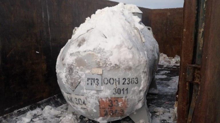 Бочка с зловонным веществом нашлась у станции Лигово. Фото: комитет по природопользованию