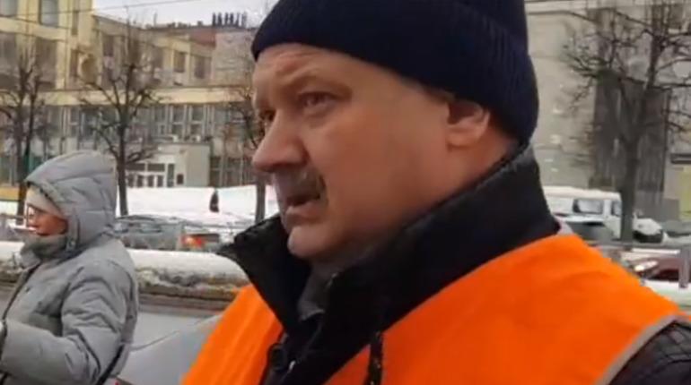 Власти Петербурга отменили режим экстренной уборки из-за снегопадов