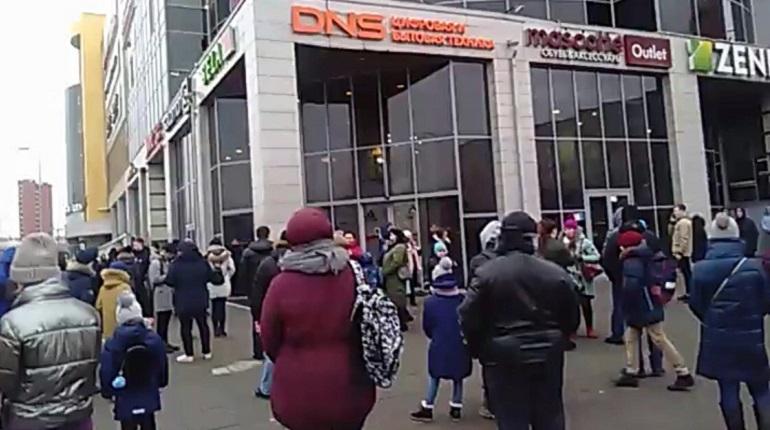 «Заминированные» ТЦ в Петербурге могут потерять по 10 млн рублей