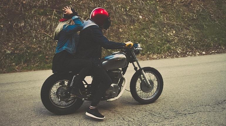 Пассажирка мотоцикла погибла в ДТП из-за нарушений правил ПДД. Фото: pixabay.com