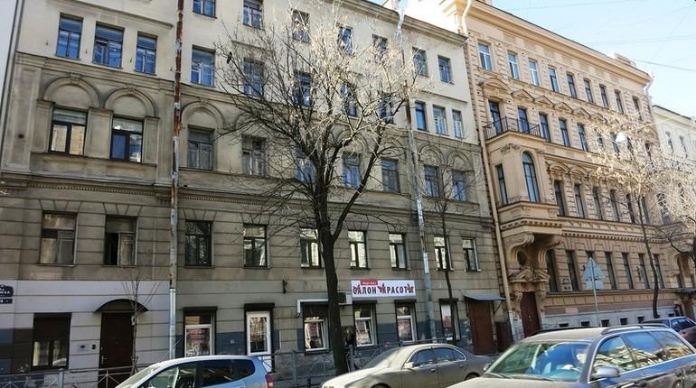 Дома на Васильевском, которыми управляет УК
