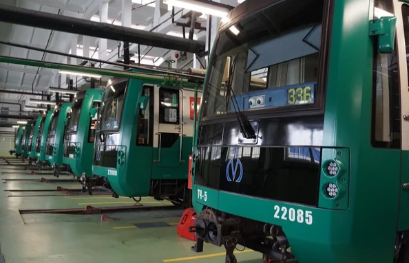Беглов: к 2026 году метро Петербурга закупит 800 новых вагонов