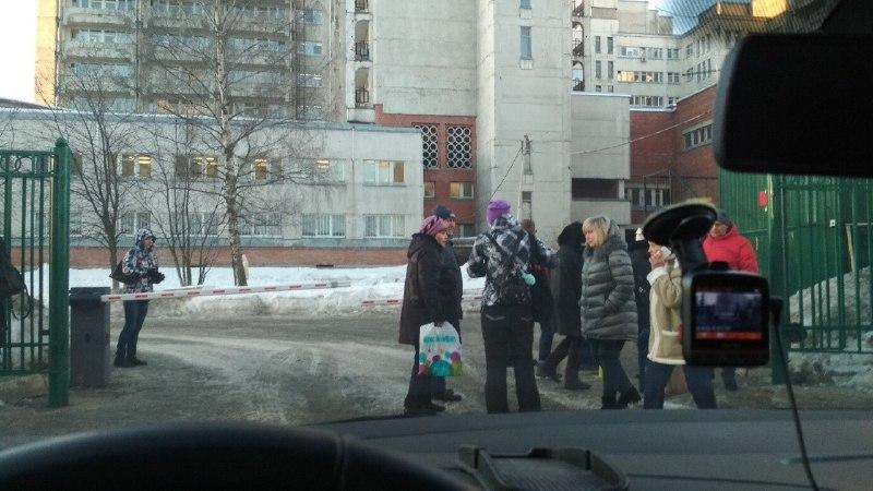 Эвакуация из городской больницы № 2. Фото: vk.com/spb_today