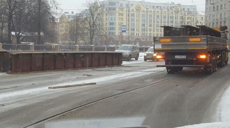 Движение «грязных» автомобилей в центре Петербурга могут ограничить