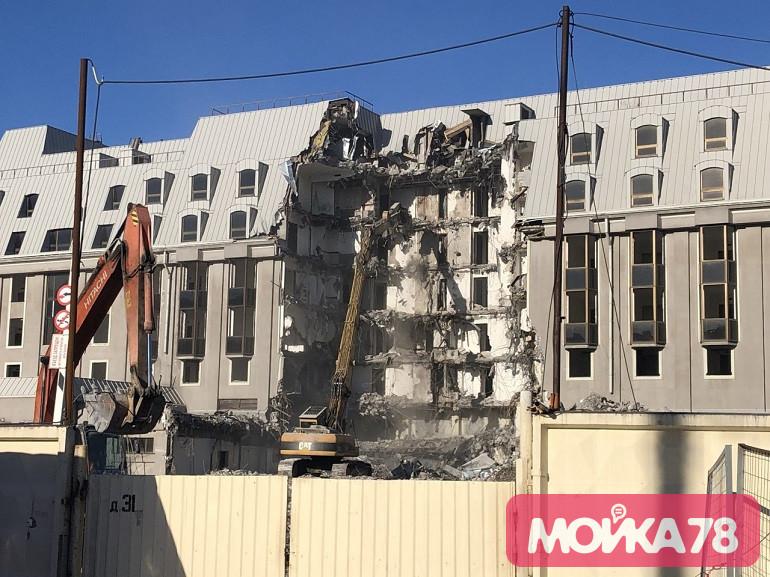 Смольный: в Петербурге снижается число долгостроев