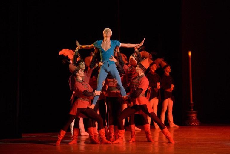 Множество спектаклей  пройдет в Петербурге . Фото: паблик Мариинского театра Вконтакте