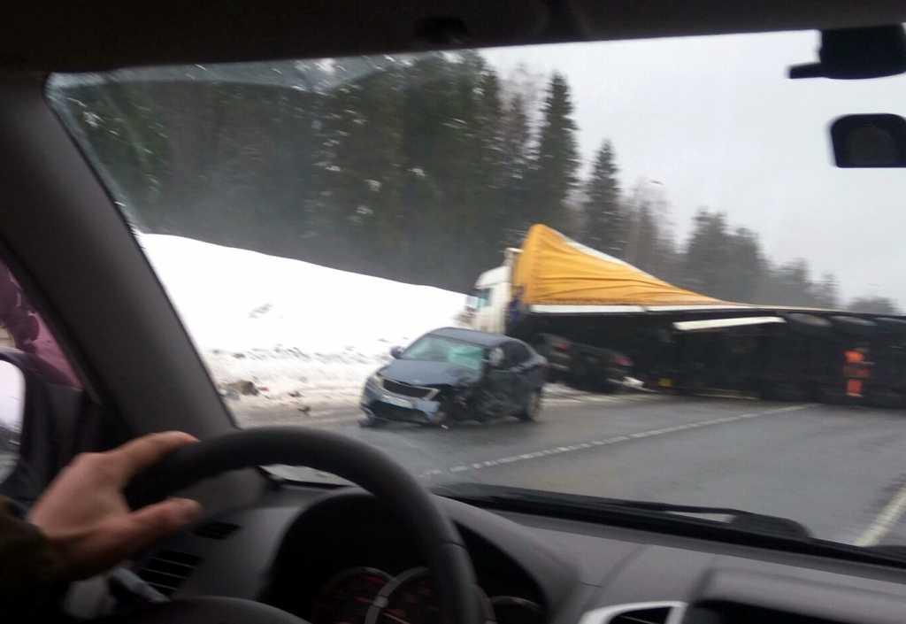 В результате ДТП на «Скандинавии» пострадали двое