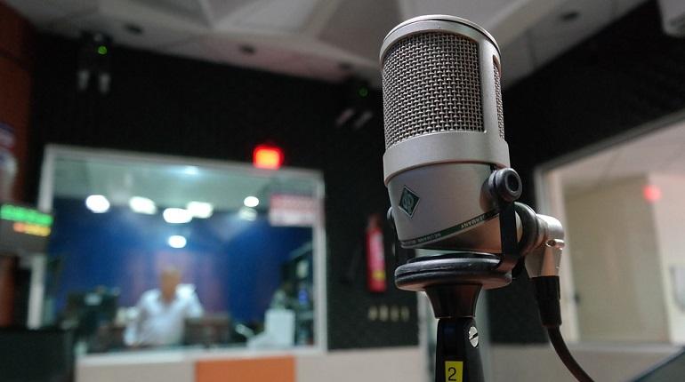 Коронавирус мешает продаже петербургской FM-радиостанции