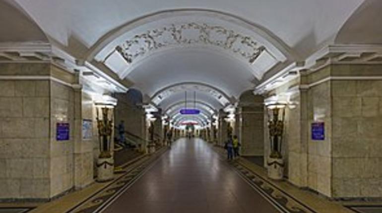 Задержку на «Пушкинской» вызвал неисправный состав