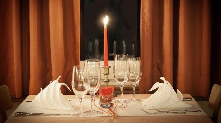 26% петербуржцев отметят 14 февраля за романтическим ужином. Фото: pixabay