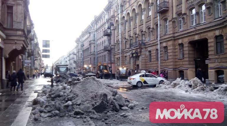 Снежный коллапс на улицах Петербурга: как это было прошлой зимой