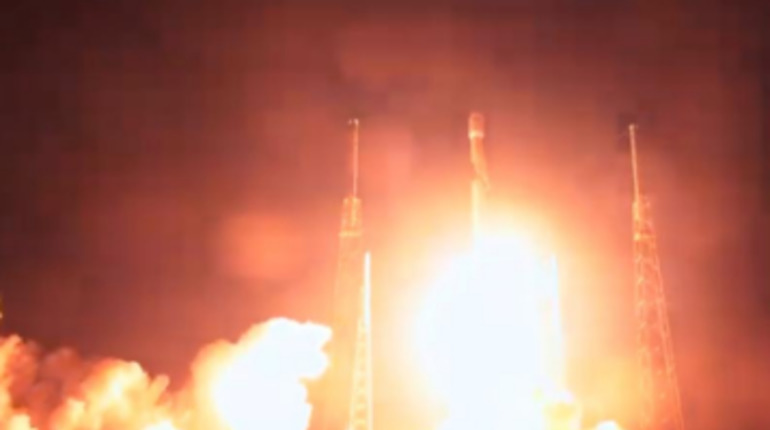 Запуск ракеты Falcon во Флориде. Фото: Twitter Space X