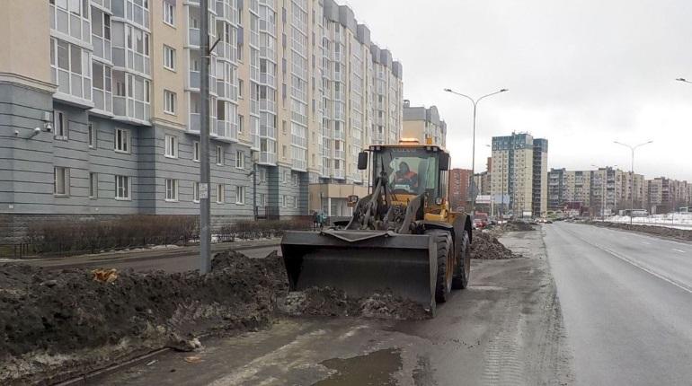 В Петербурге планируют купить технику для уборки улиц на 3 млрд