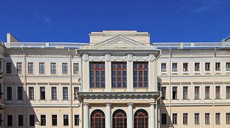 Замдиректора петербургского дворца творчества юных задержали за мошенничество на 20 млн