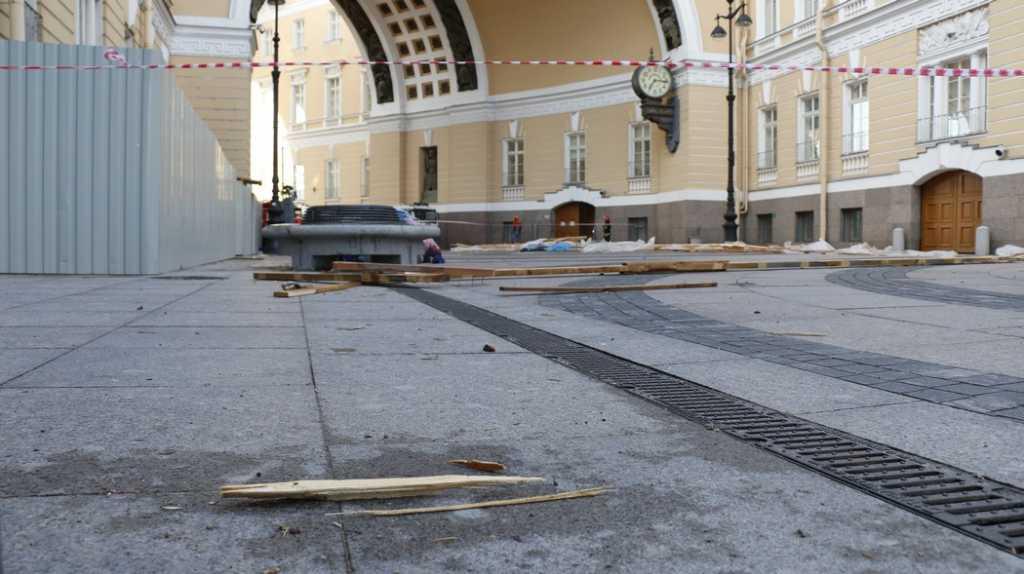 Дело об обрушении строительных лесов на Дворцовой передано в суд