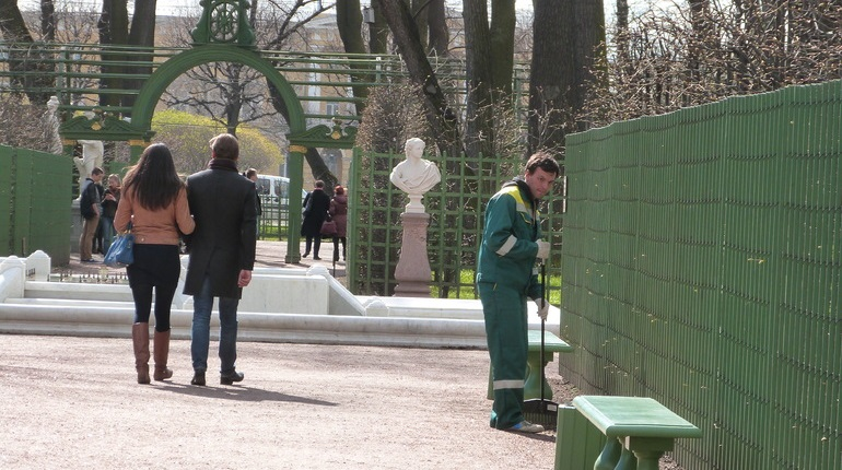 Летний и Михайловские сады закрывают на просушку