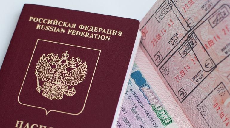 Российский заграничный паспорт. Фото: Baltphoto/ Ольга Андросова