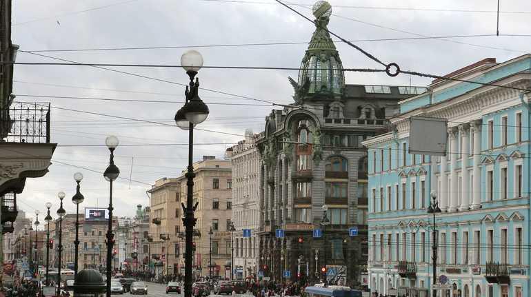 Шумных посетителей кафе на Невском избили жители дома