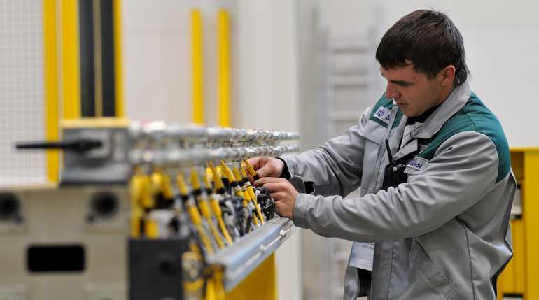 Названа среднемесячная зарплата в Петербурге