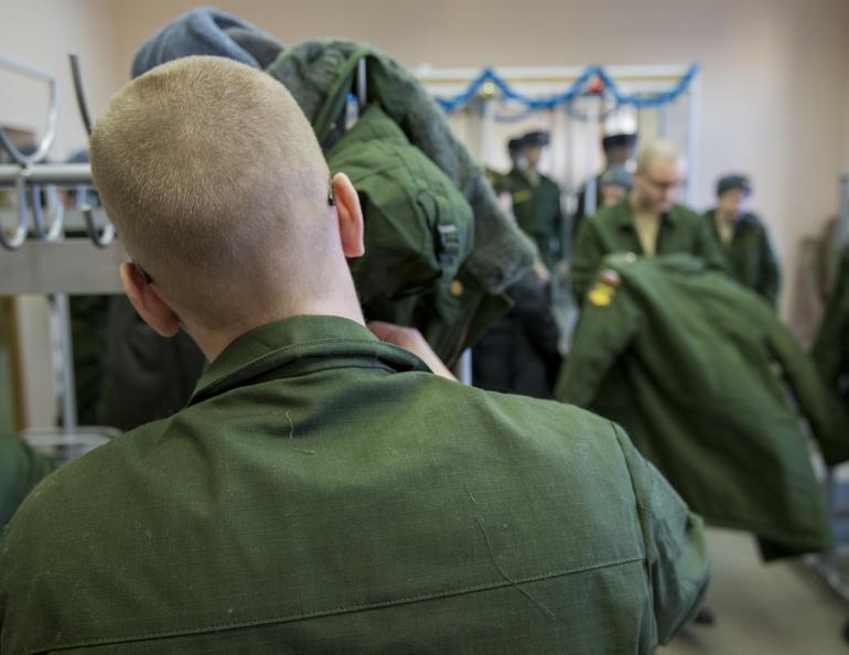 «Отмазывавшая» призывников от армии петербурженка получила условный срок