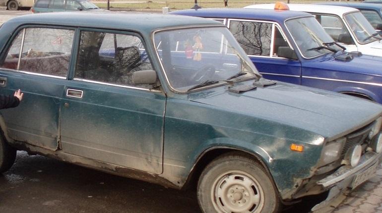Старым автомобилям закроют въезд в экологичные зоны Петербурга. Фото: соцсети